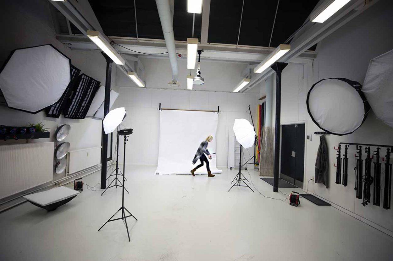 Hvordan bliver man reklamefotograf?